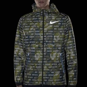Nike Shield Ghost Flash Running Jacket size L